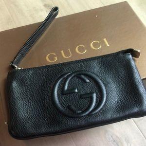 Gucci soho wristlet